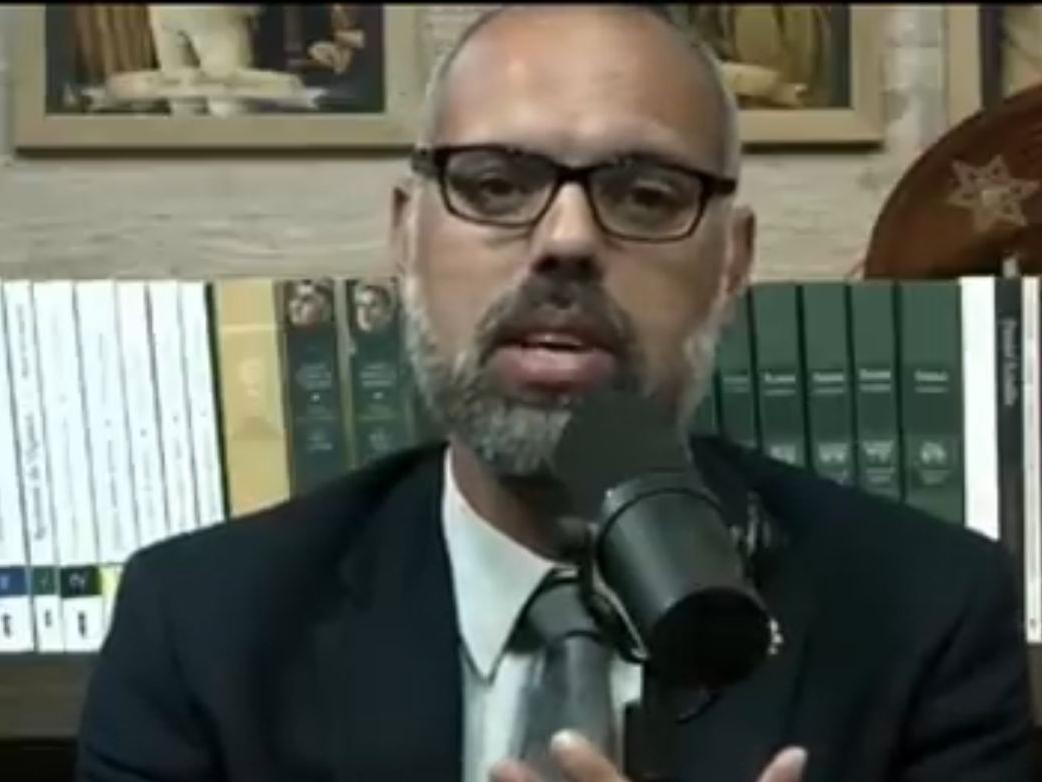 Alexandre de Moraes determina a prisão do blogueiro bolsonarista Allan dos Santos