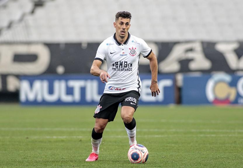 Danilo Avelar, do Corinthians, admite mensagem racista e diz ter sido alvo de xenofobia