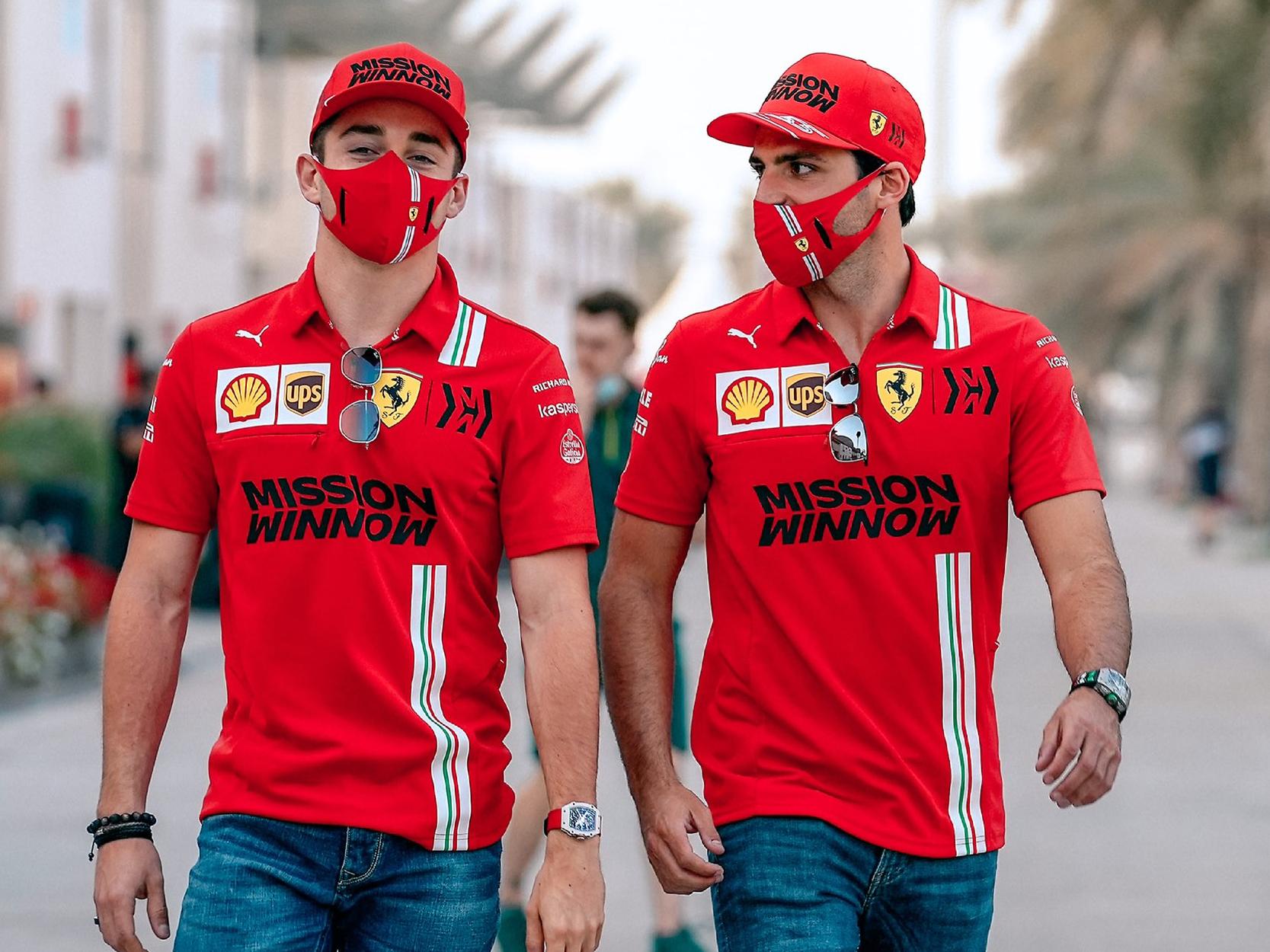 Leclerc e Sainz formam a dupla de pilotos da Ferrari