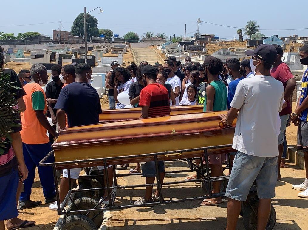 Os dois foram enterrados hoje, após liberação do corpo
