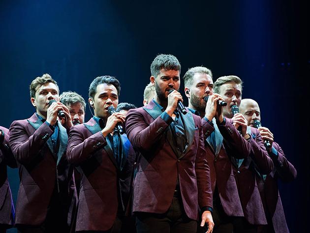 """Band exibe apresentação inédita The Ten Tenors, de """"Hallelujah"""", nesta sexta-feira"""
