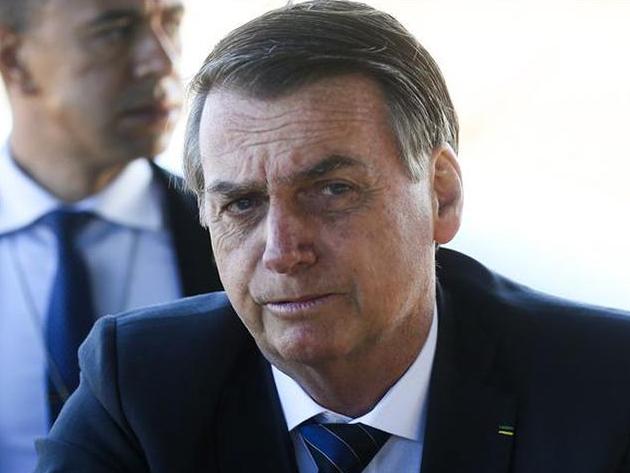Eduardo Oinegue: A popularidade de Bolsonaro está mal porque o governo não sabe pra onde ir