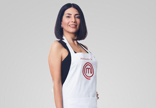 """Estilista há 25 anos, Juliana diz que gastronomia apareceu de maneira suave em sua vida: """"De repente, estou no MasterChef"""""""