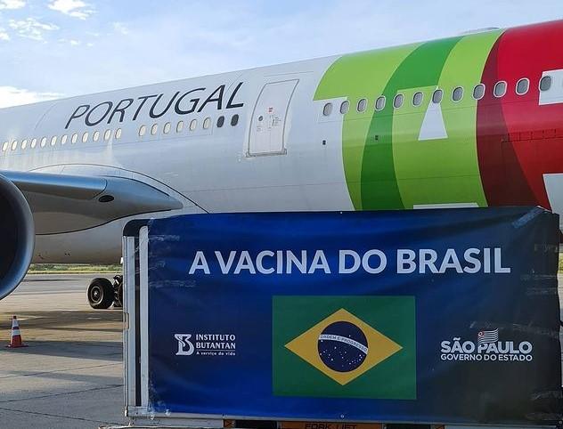 Insumos para produção de 14 milhões de doses da CoronaVac chegam ao Brasil