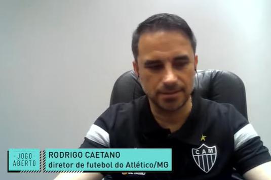 """Rodrigo Caetano exalta mecenas e """"Galo protagonista"""" e descarta Daniel Alves"""