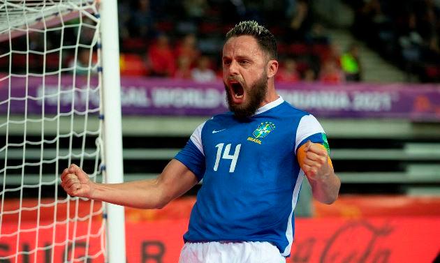 Capitão da seleção, Rodrigo é um dos remanescentes do time campeão em 2012