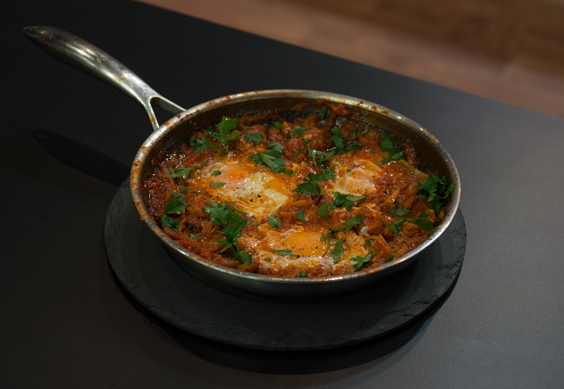 Shakshuka, ovos mollet e beneditinos: faça as receitas do MasterChef em 20 minutos