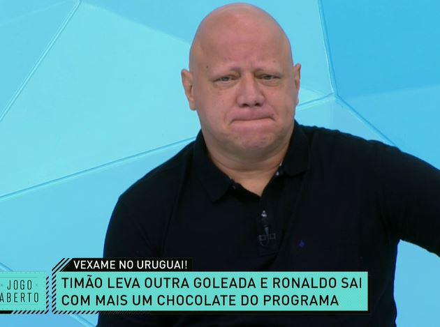 """""""Poemas"""" e Ronaldo irritado: Jogo Aberto repercute vexame do Corinthians"""
