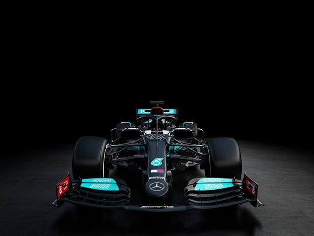Mercedes apresenta carro para 2021 de olho no 8º título
