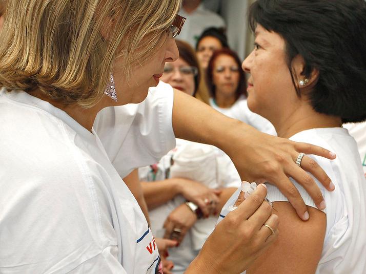 Adesão à campanha de vacinação contra a gripe está abaixo do esperado em SP