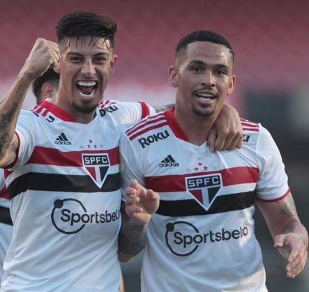 São Paulo vence e Corinthians empata no Campeonato Brasileiro