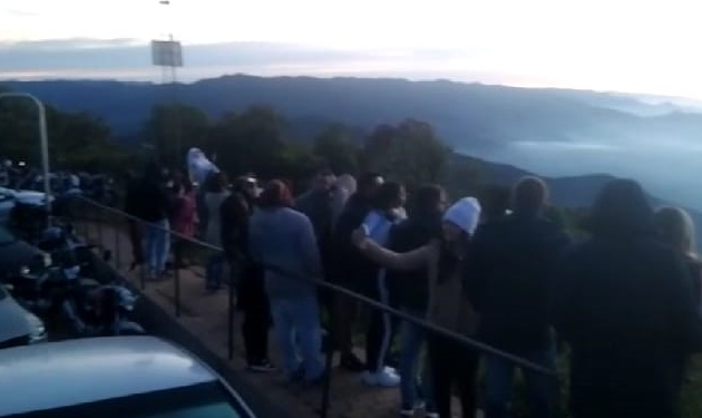 Fiscalização flagra aglomeração de 100 pessoas para ver o sol nascer no Pico Agudo, em Santo Antônio do Pinhal