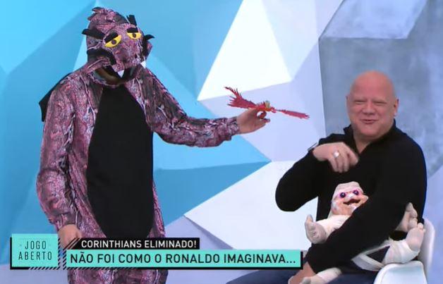 Garçom Denílson e Dragão provocam Ronaldo após eliminação do Corinthians