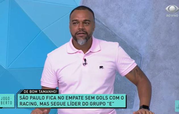 """Denílson exalta """"gigante"""" Miranda e vê lado positivo em empate do São Paulo"""