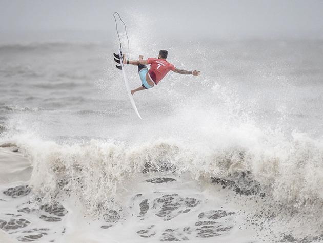 Surfe: Italo Ferreira bate australiano e decide ouro olímpico contra japonês
