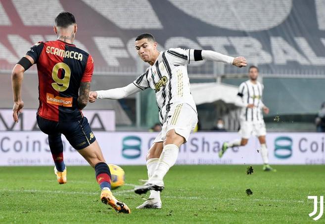 Cristiano Ronaldo marcou dois pênaltis para garantir a vitória da Juventus