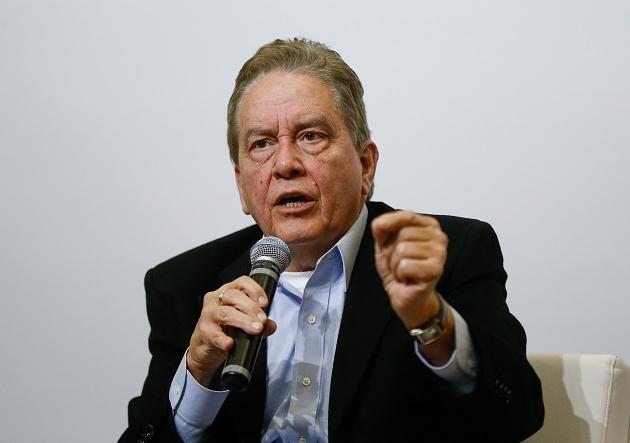 Em resposta a Paulo Guedes, ex-presidente do IBGE diz que atual governo é quem está na idade da pedra