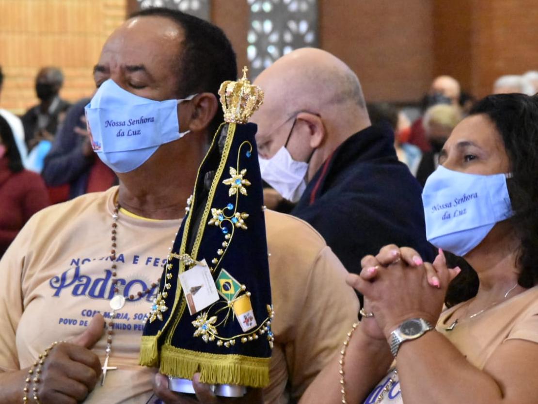 FOTOS: Imagens retratam a fé de devotos no Santuário de Nossa Senhora Aparecida nesse 12 de outubro