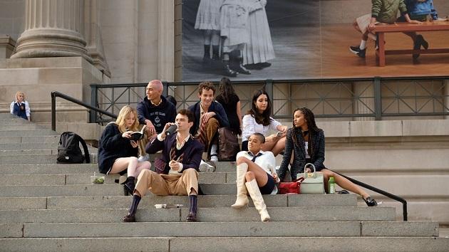 Reboot de 'Gossip Girl' ganha data de estreia e vai tratar sobre as redes sociais