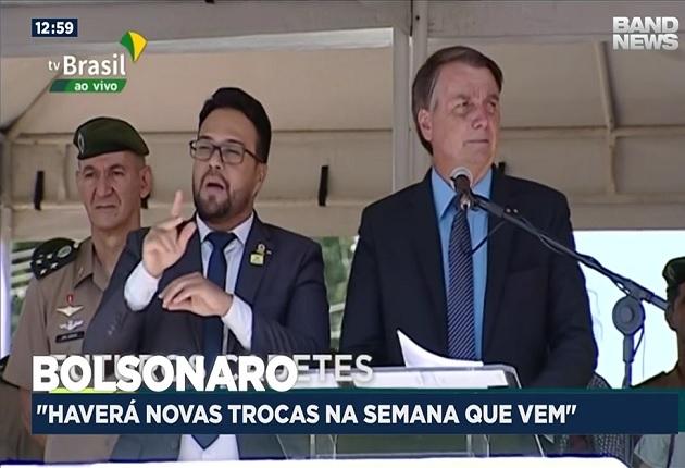 """""""Na semana que vem teremos mais"""", diz Bolsonaro após troca de comando na Petrobras"""