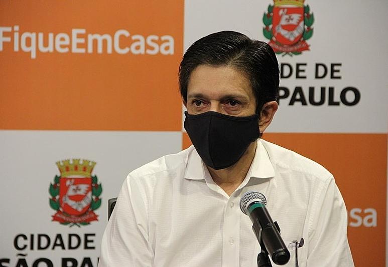Ricardo Nunes acompanha volta da vacinação de grávidas e puérperas em 1ª agenda após morte de Covas