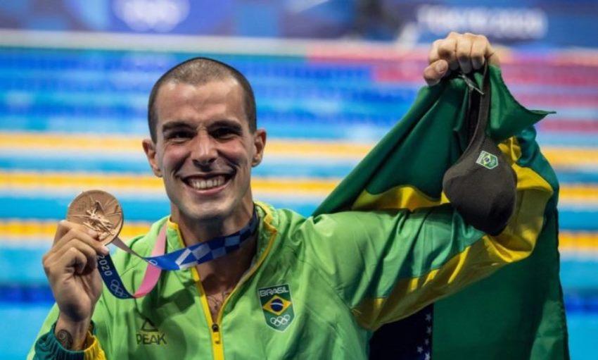 Bruno Fratus tem sua redenção e conquista o bronze nos 50m livre em Tóquio