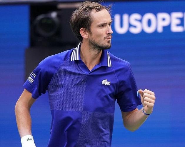 Tenista russo venceu o número 1 do mundo na decisão do US Open