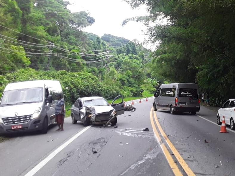 Motociclista morre após acidente na Rio-Santos, em São Sebastião