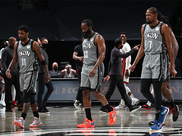 Brooklyn Nets segue com vitórias mesmo com o título de pior defesa