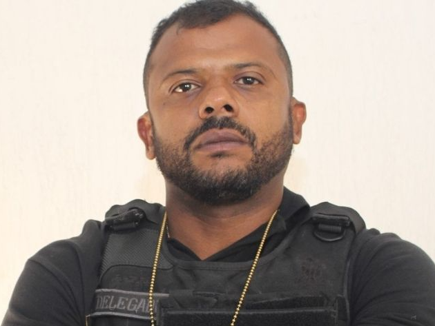 Delegado Da Cunha é indiciado por simular prisão para vídeo