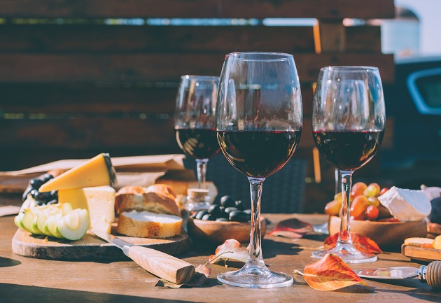 Sommelier indica 6 vinhos versáteis que harmonizam com quase tudo: ouça aqui