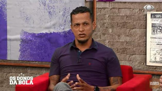 Souza critica Dani Alves como meia e diz que Benítez não é solução no São Paulo