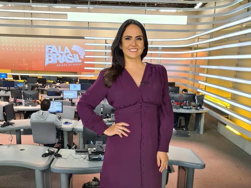 Após 16 anos, jornalista Carla Cecato é demitida da Record