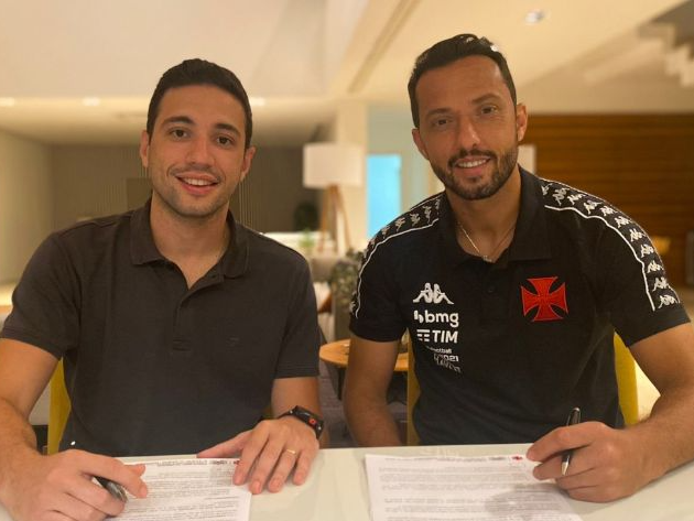 Nenê assinou contrato com o Vasco