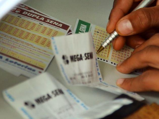 Mega-Sena acumula, e prêmio vai a R$ 38 milhões; veja dezenas sorteadas