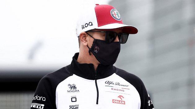 Kimi Raikkonen continua em isolamento na sua residência