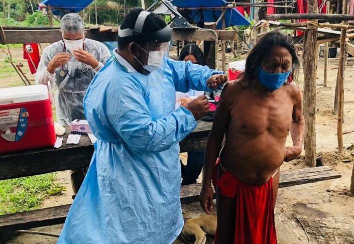 65% dos indígenas brasileiros estão vacinados contra a Covid-19