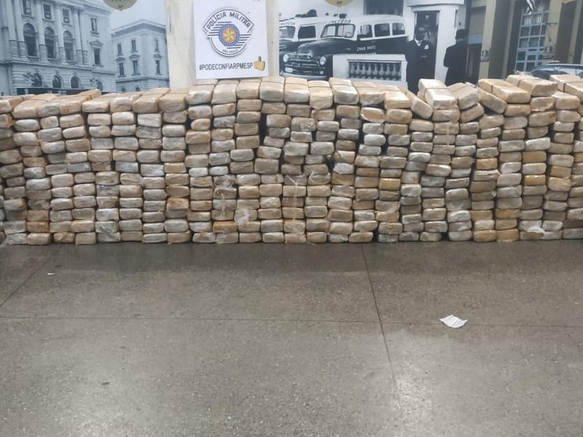 Drogas foram encontradas em uma casa após denúncia