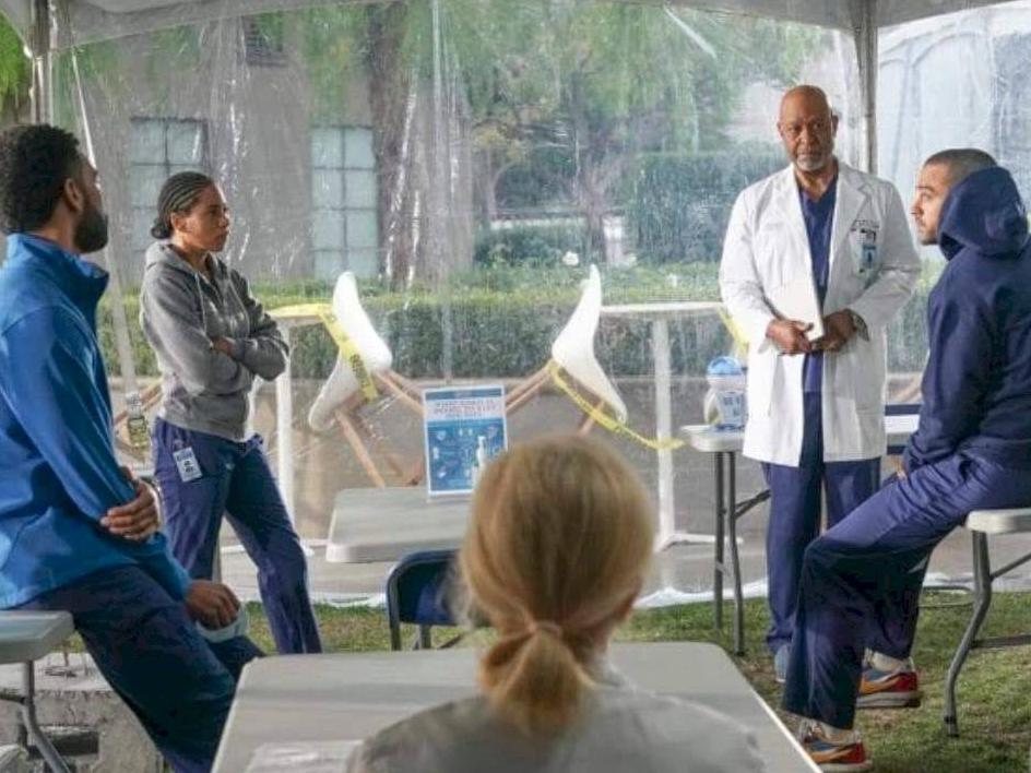 Voltou? Foto levanta suspeita sobre retorno de mais um personagem em Grey's Anatomy