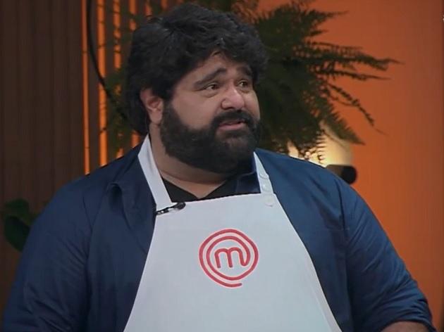 Fabiano, da dupla com César Menotti, se emociona ao ganhar prova no MasterChef