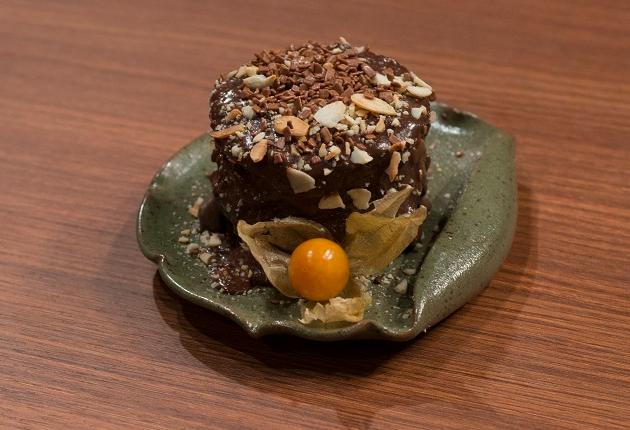 Bolo de chocolate, beijinho e creme de morango: saiba fazer sobremesas destaques no MasterChef