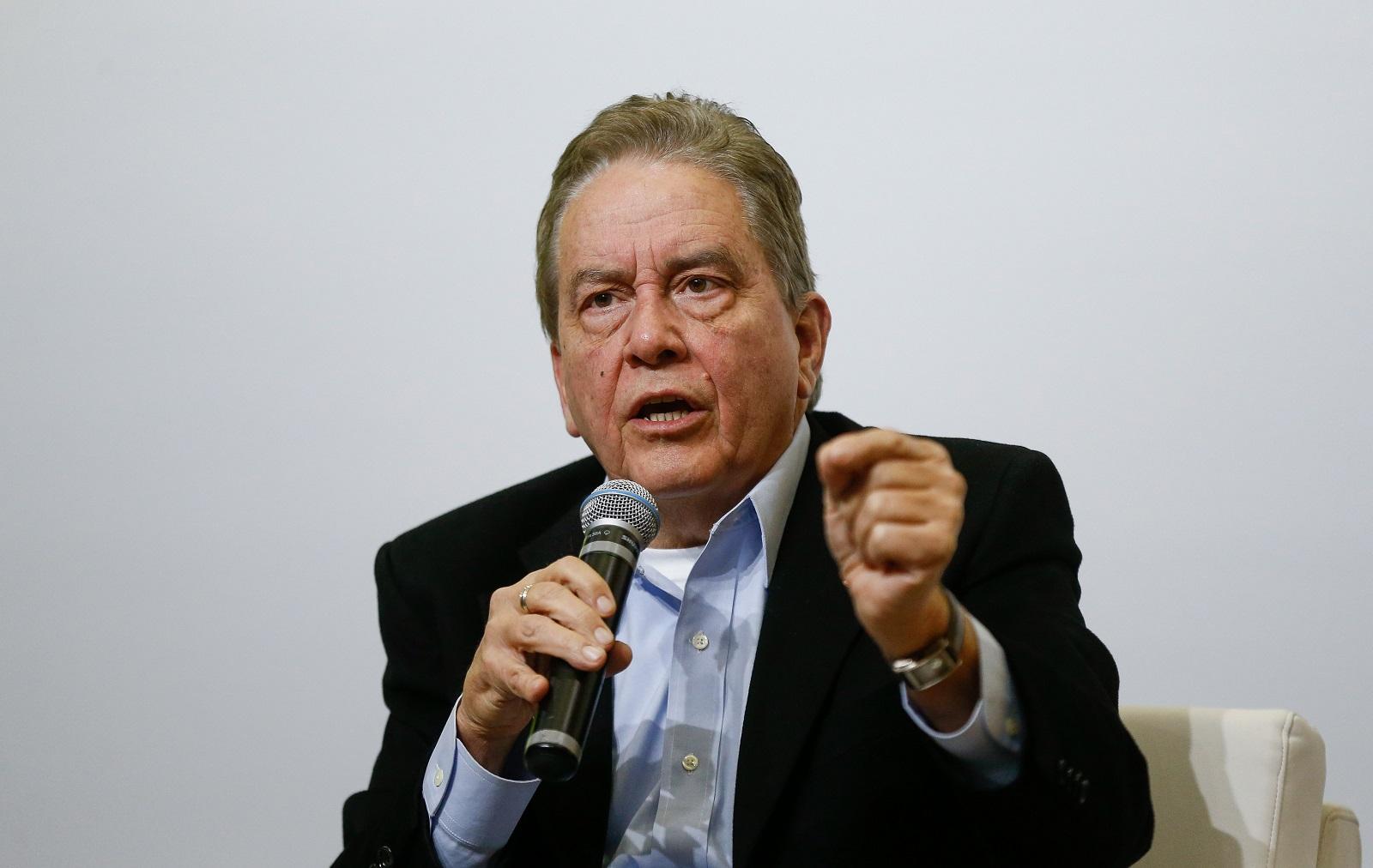 Ex-presidente do IBGE diz que governo é que está na idade da pedra