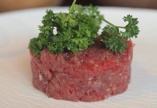 Steak tartare de fraldinha: veja receita do István Wessel