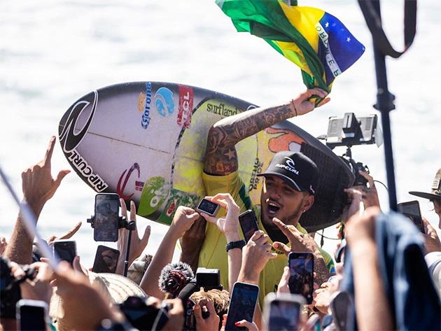 Medina revela inspiração em Senna e Pelé para conquistar o tricampeonato mundial