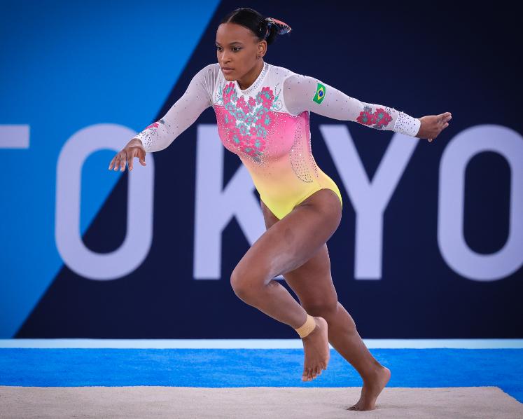 Tóquio tem fim do baile de Rebeca, estreia de Isaquias e tombo no atletismo; veja resumo