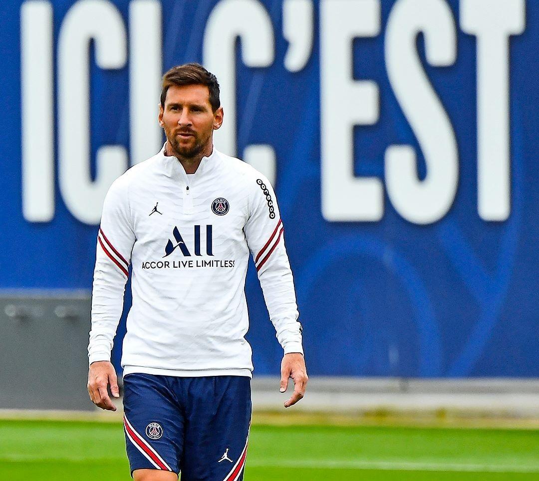 Messi pode receber até R$ 682 milhões se ficar três anos no PSG, diz jornal