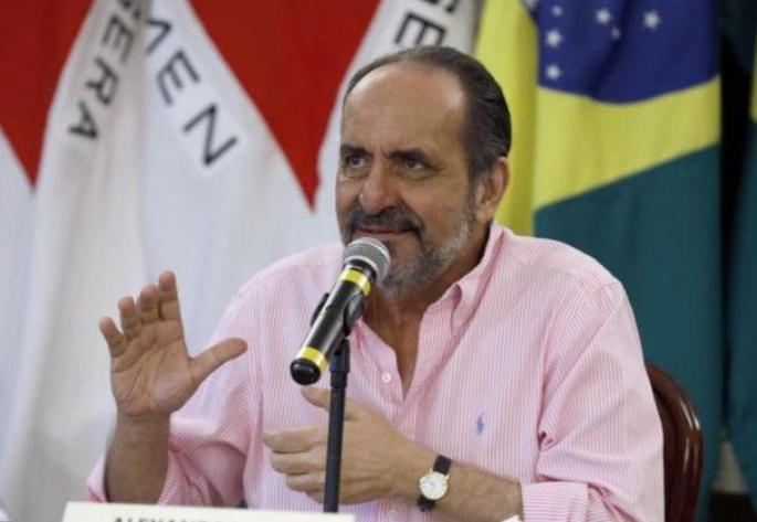Belo Horizonte enfrenta problemas com quantidade de vacinas recebidas, diz Kalil