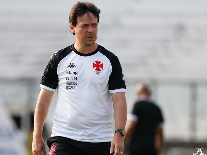 Gols sofridos no fim marcam início frustrante de Diniz no Vasco