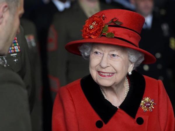 Rainha Elizabeth ignora mensagens de Meghan Markle e príncipe Harry