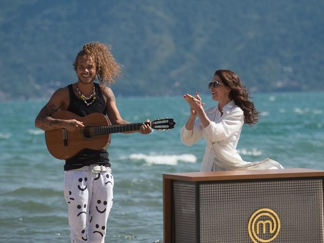 Vitão participa de episódio do MasterChef